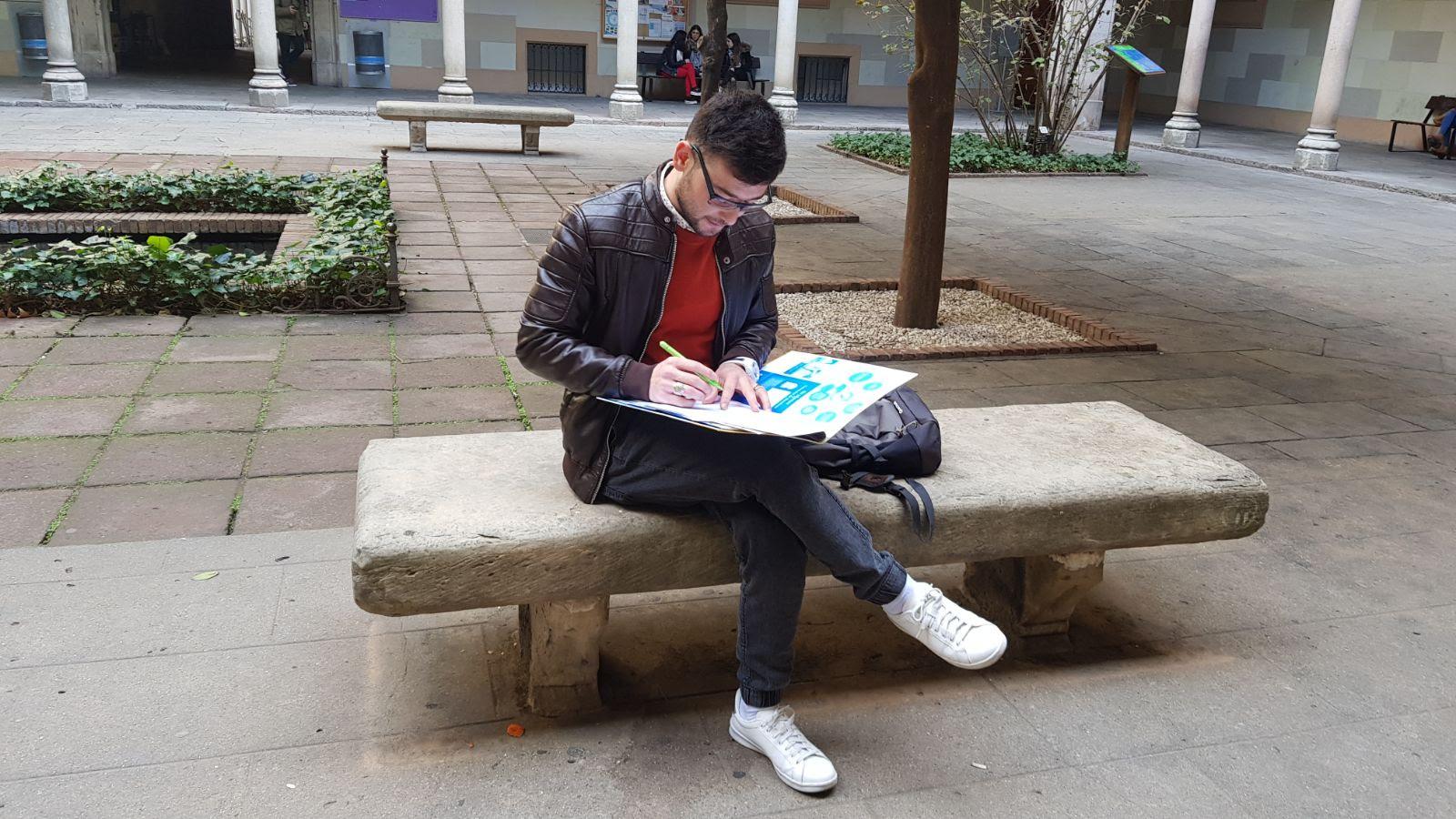 Zaki el joven que huye de Afganistán a España